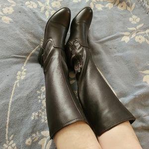 Anne Klein size 8 knee high boots